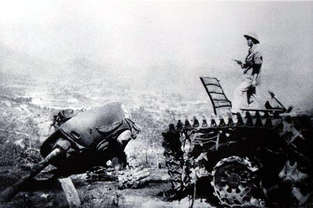 Destroyed-Chinese-Tank-Vietnam-1979